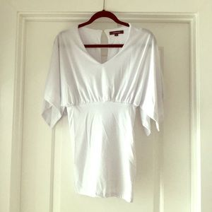 Dresses & Skirts - NWOT V-neck fitted white dress